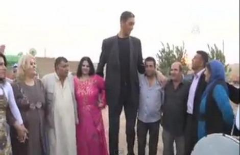 Oženio se najviši čovek na svetu