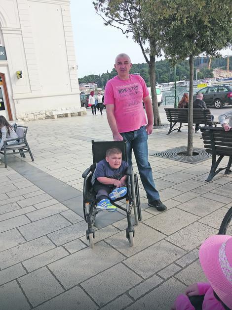 Spasonosna vedrina: Nikola sa ocem Zoranom