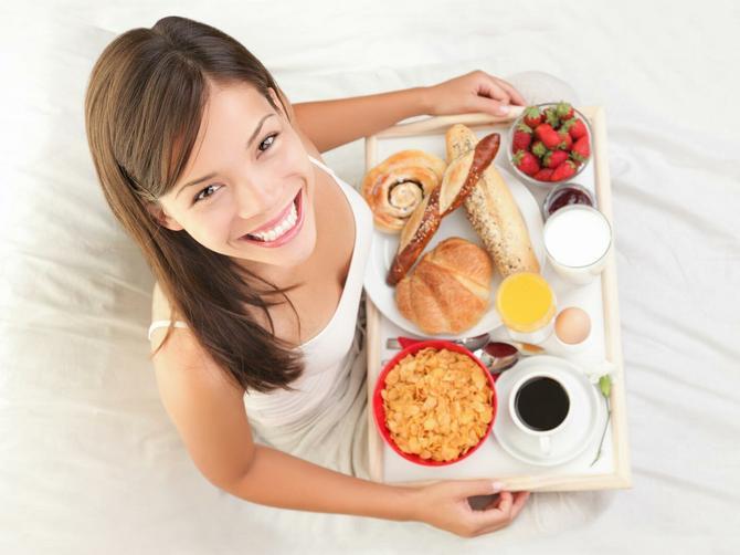 5 ideja za brz doručak: Šta birate - kačamak, miks salatu ili nešto slatko?