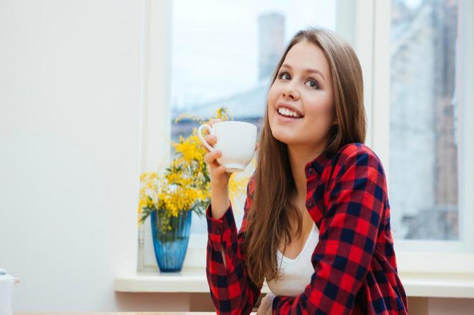 Pijete kafu na prazan želudac? Evo šta ta navika radi vašem telu