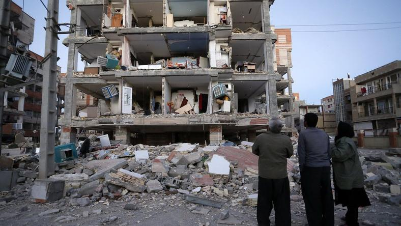 Több száz embert ölt meg a földrengés Iránban