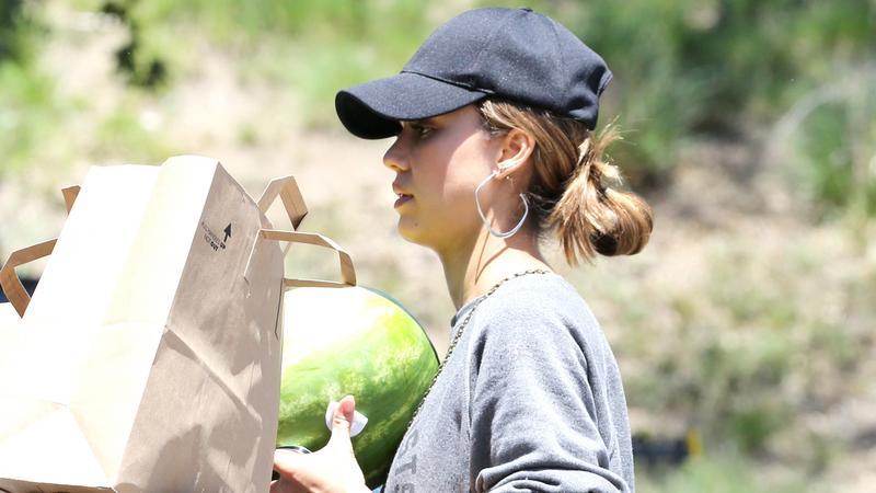 Jessica Alba z rodziną na zakupach