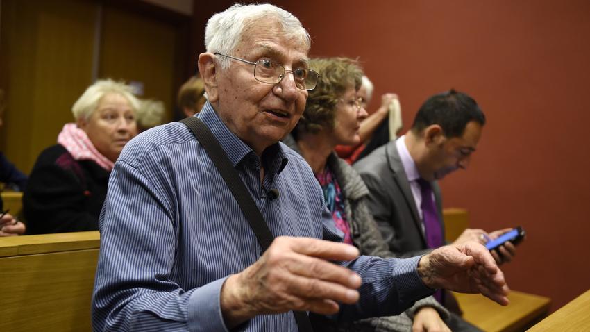 88-letni Jean Mercie pomógł chorej żonie popełnić samobójstwo
