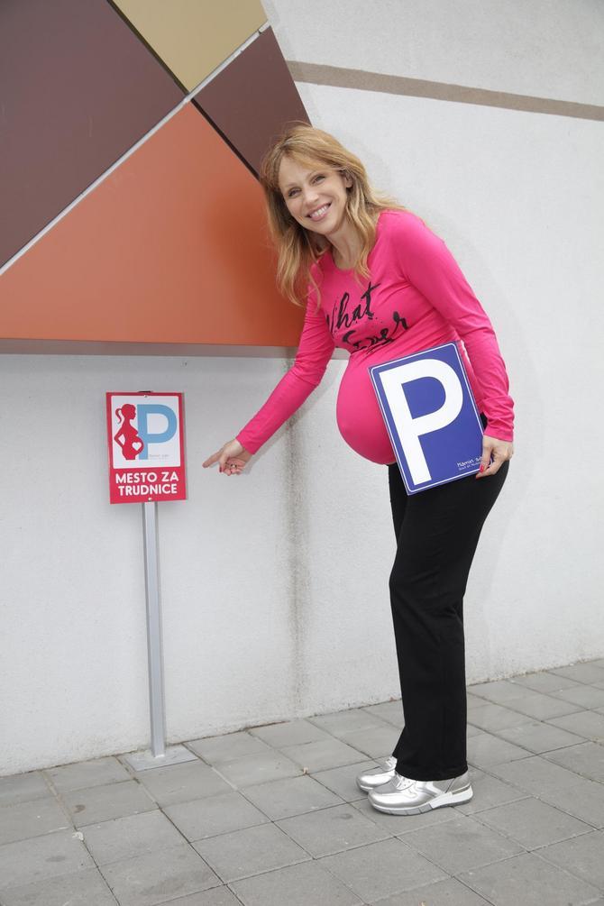 Obezbedite praking mesta za trudnice