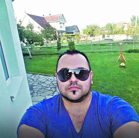 """Nemanja Nikolić bio je za volanom """"mercedesa"""""""