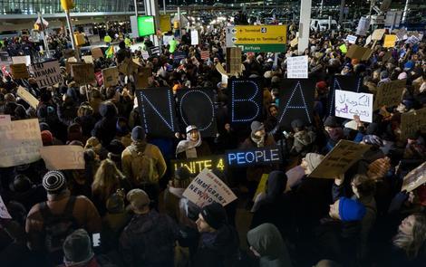 Protest na aerodromu u SAD