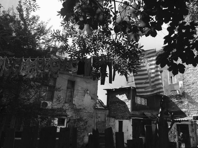 Slika koja nas je vratila u stari Beograd... Ali nije baš sve kako izgleda. Pronađite caku!