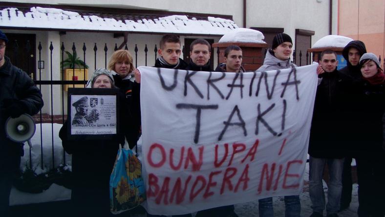 Protest przeciwko uznaniu Stepana Bandery bohaterem Ukrainy - Gdańsk, luty 2010 r., fot. Stowarzyszenie Kresowe