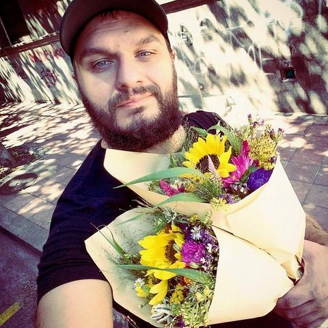 NE OSEĆA SE VIŠE BEZBEDNO! Bivši učesnik Velikog brata i gej-aktivista odlučio da napusti Srbiju!