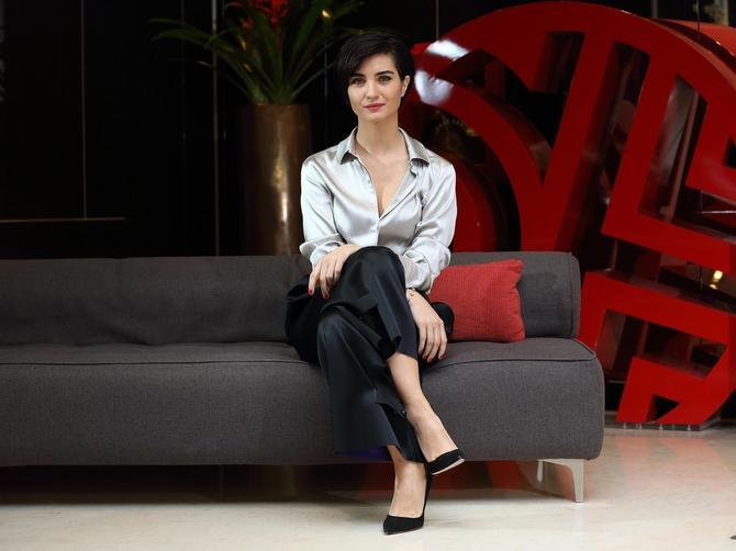 Turska glumica prevaraila muža sa 10 godina mlađim biznismenom? Par uhvaćen zajedno, reagovala i POLICIJA!