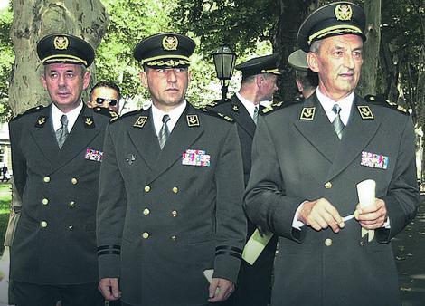 Ante Gotovina (drugi s leva)