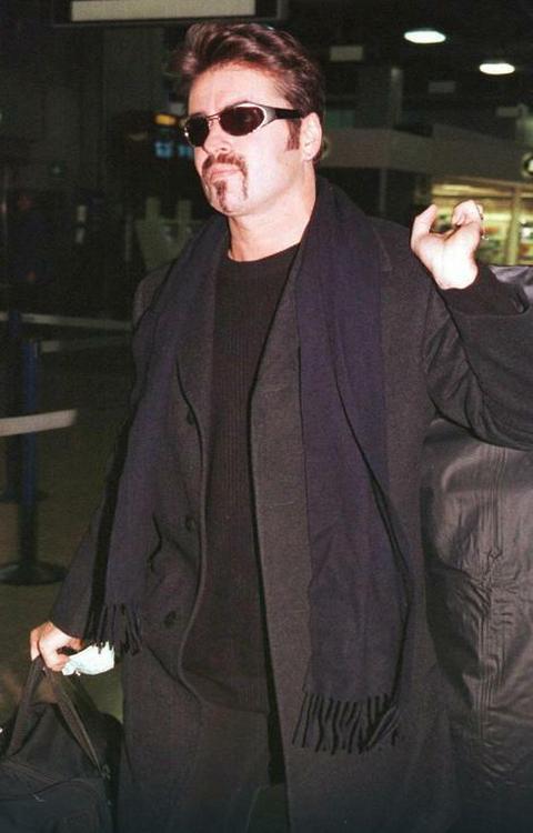 TUGA! Džordž Majkl preminuo u 53. godini života!