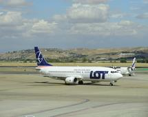 PLL LOT Boeing 737-400 retrofit