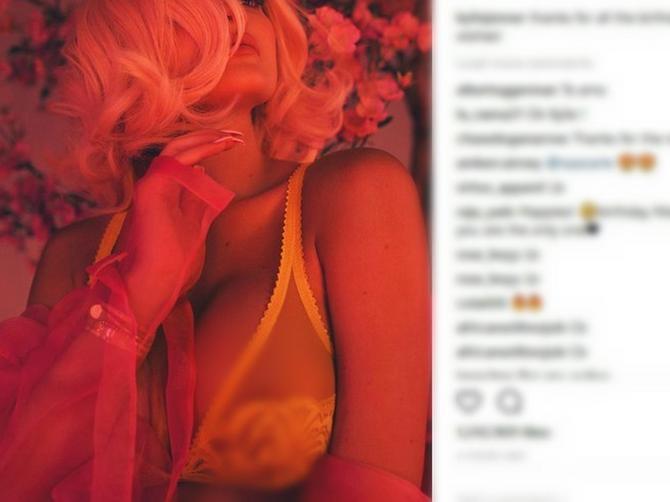 Kajli objavila sliku, a skoro svi u komentarima pisali istu reč OMILJENU kod tinejdžera iz Srbije