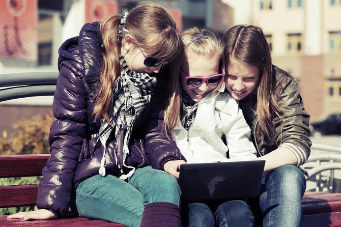 """Da li je prisustvo dece na """"Fejsbuku"""" ponovo na ispitu?"""