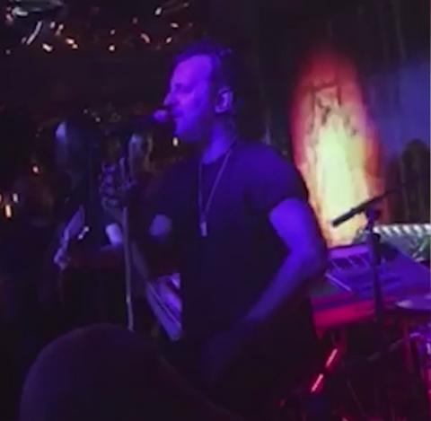 """SAD JE SVE JASNO! Lukas umalo zaplakao dok je pevao """"Nađi novu ljubav"""" (VIDEO)"""