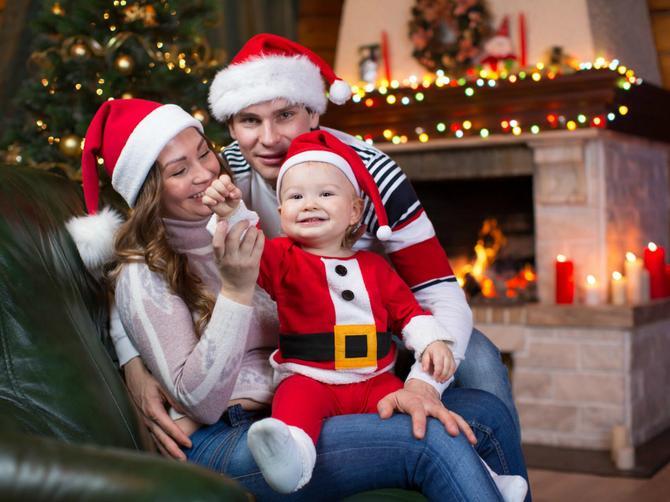Doček je Nove godine, a vi imate malu decu. Evo kad je pravo vreme da ih pošaljete na spavanje