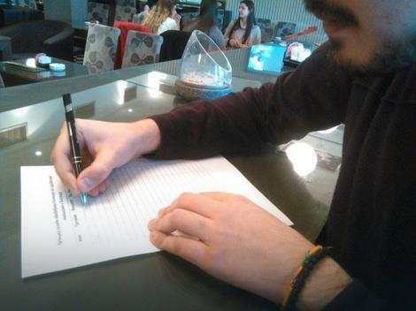 Potpisivanje peticije na Pravnom fakultetu