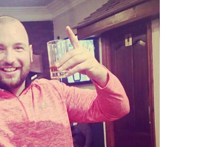 Izašao je sa društvom na piće: U sitne sate je BEZ BLAMA poslao devojci OVU PORUKU - rezultat je NEVEROVATAN
