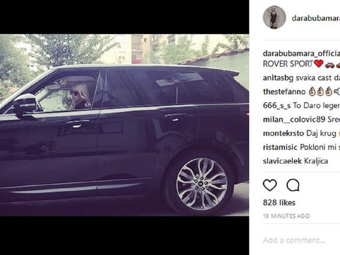 Darin spektakularni povratak na Instagram: Čim se vratila, pohvalila se novim automobilom!