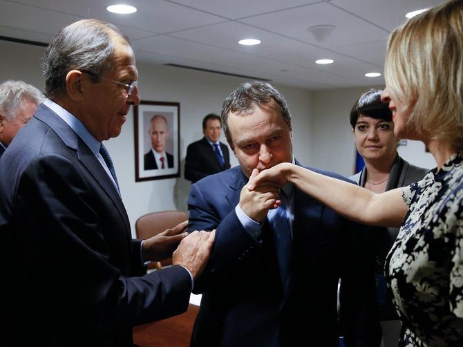 Dačić dovodi Mariju u Guču: Lepa Ruskinja ima stil ZA DESETKU!