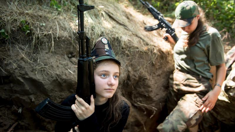 kem233ny katonai t225bor gyerekeknek budapest k246zel233ben