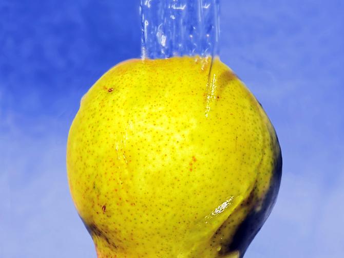 Kako da voće očistite od pesticida: Topla voda i deterdžent su rešenje!