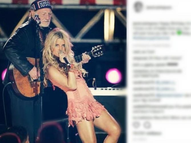 Slavna pevačica razbesnela internet: Da li je primereno da OVAKO slika ćerkicu