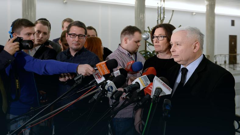 Rzeczniczka klubu Beata Mazurek i prezes PiS Jarosław Kaczyński