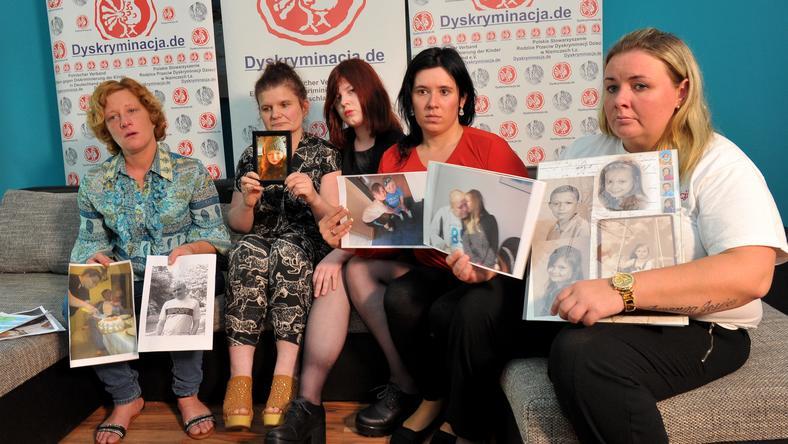Konferencja prasowa matek, którym odebrano dzieci