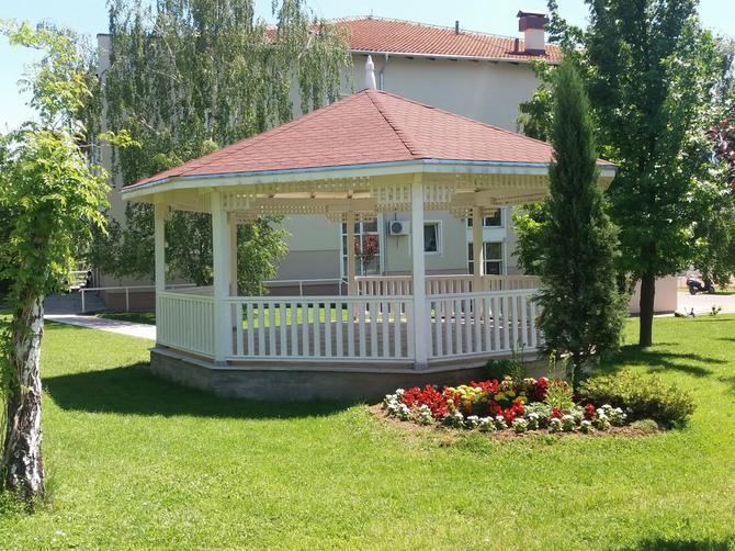 OTKRIVAMO: koja škola u Srbiji ima najlepše dvorište