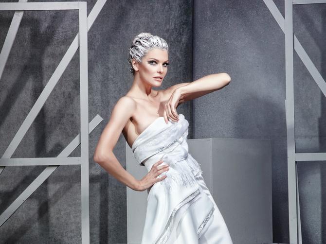 Ova haljina delo je našeg čuvenog dizajnera i dokaz da u i Srbiji postoji visoka moda. Dopada vam se?