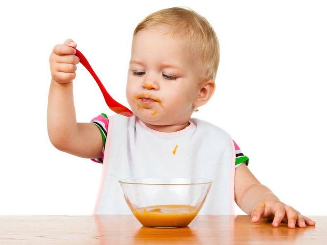 Da li znate da šećera ima i u nekim bebi kašicama? Evo kako da ga izbegnete