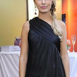 Dominika Gwit na Flesz Fashion Night - ależ zeszczuplała