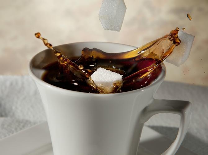 Svakodnevno perete šolju za kafu? Evo zašto je to POGREŠNO!