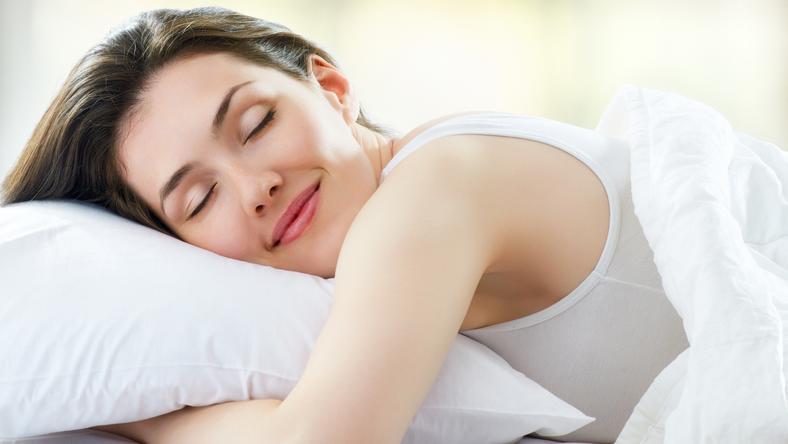 Váltott műszakban dolgozik  Így küzdhetik le az alvászavarunkat ... b7f8ff92ea