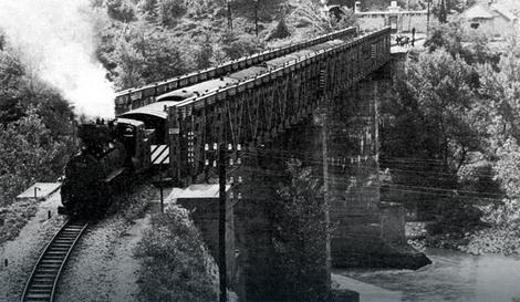 """Jedna od fotografija iz postavke """"Mostovi na krivoj Drini"""""""