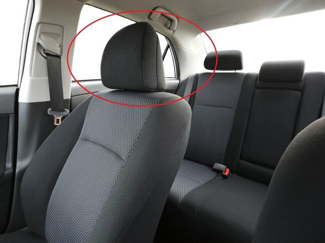 Naslon za glavu u automobilu ima SKRIVENU FUNKCIJU: I može da vam SPASE ŽIVOT