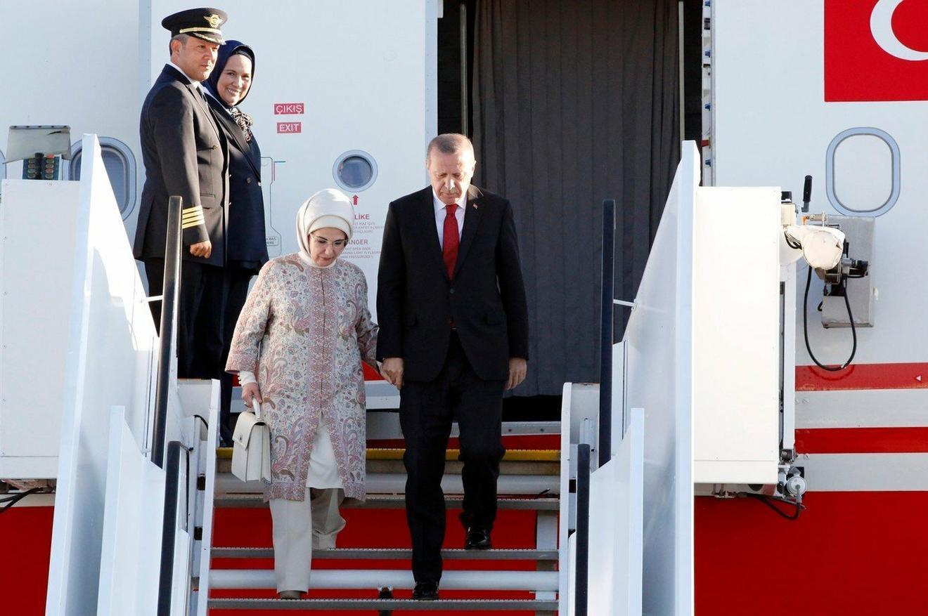 Bračni par Erdogan stiže u Hamburg gde se pre četiri meseca održao samit NATO lidera