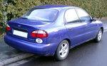 to jest niebieski Sedan