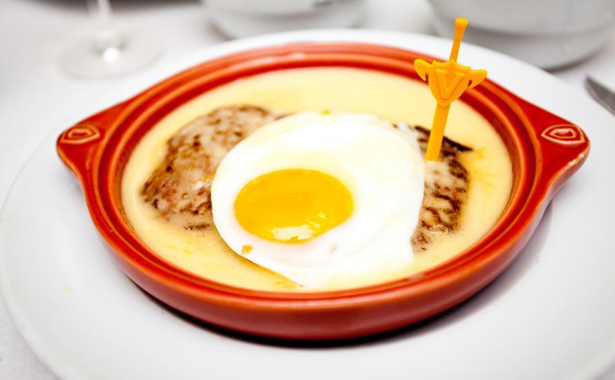 Kuchnia portugalska – pasteis, bife à Portuguesa