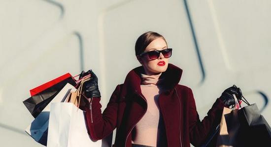 Ile rocznie Polki wydają na zakup kosmetyków - badanie