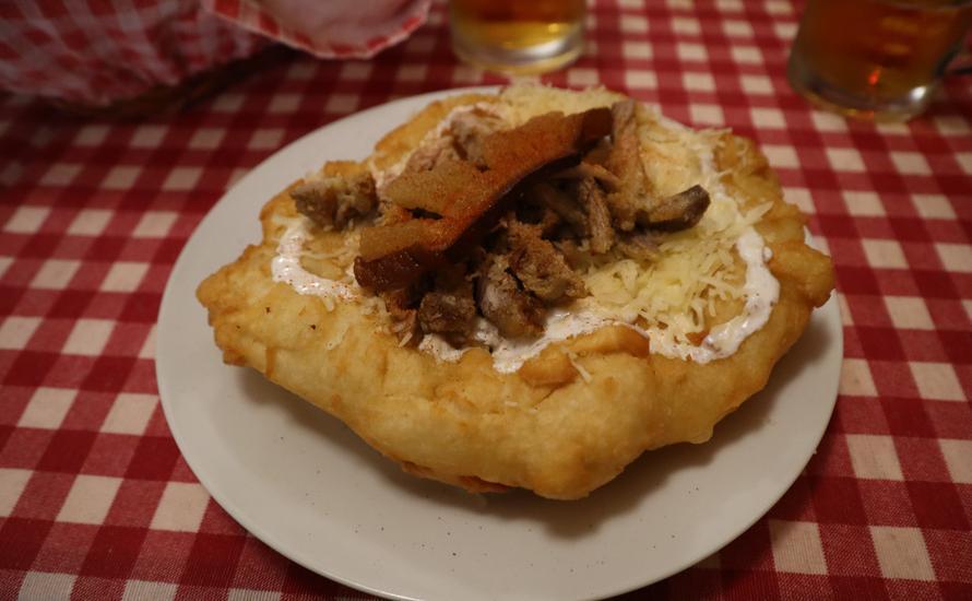 Langosz, czyli najsłynniejszy fast food z Węgier