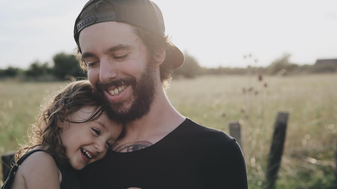 Jak być lepszym ojcem?  Siedem kroków, dzięki którym zbudujesz lepszą więź ze swoimi dziećmi