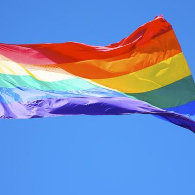 Projekt Zmiany: Nie tylko czerwiec pod tęczową flagą. Przedłużamy miesiąc dumy