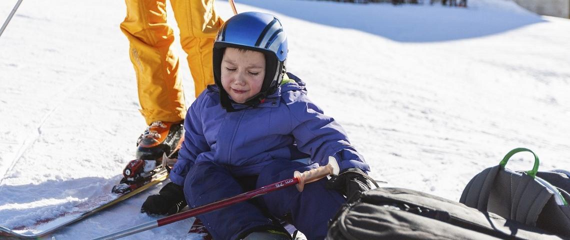 Co zrobić, gdy dziecko złamie rękę podczas zabawy? To powinien wiedzieć każdy rodzic