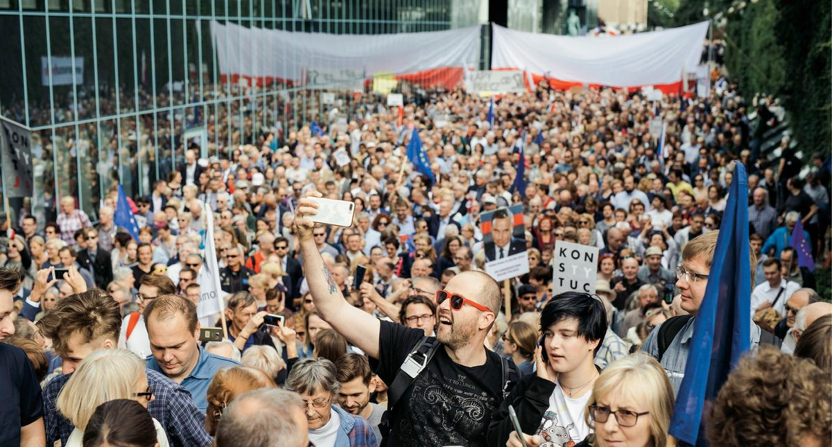 Demonstracja przed siedzibą Sądu Najwyższego.
