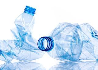 Po numerach: Plastik