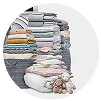 Ładowność 8 kgWiększa pralka, większa oszczędność 8 kilogramowy bęben pozwali Ci na wypranie naprawdę dużej ilości ubrań w jednym cyklu. Możesz także włożyć do niego pojedyncze większe rzeczy, takie jak poduszki, koc czy kołdra. Sprawia to, że możesz prać rzadziej i skrócić czas przeznaczony na pranie nawet o 25%.