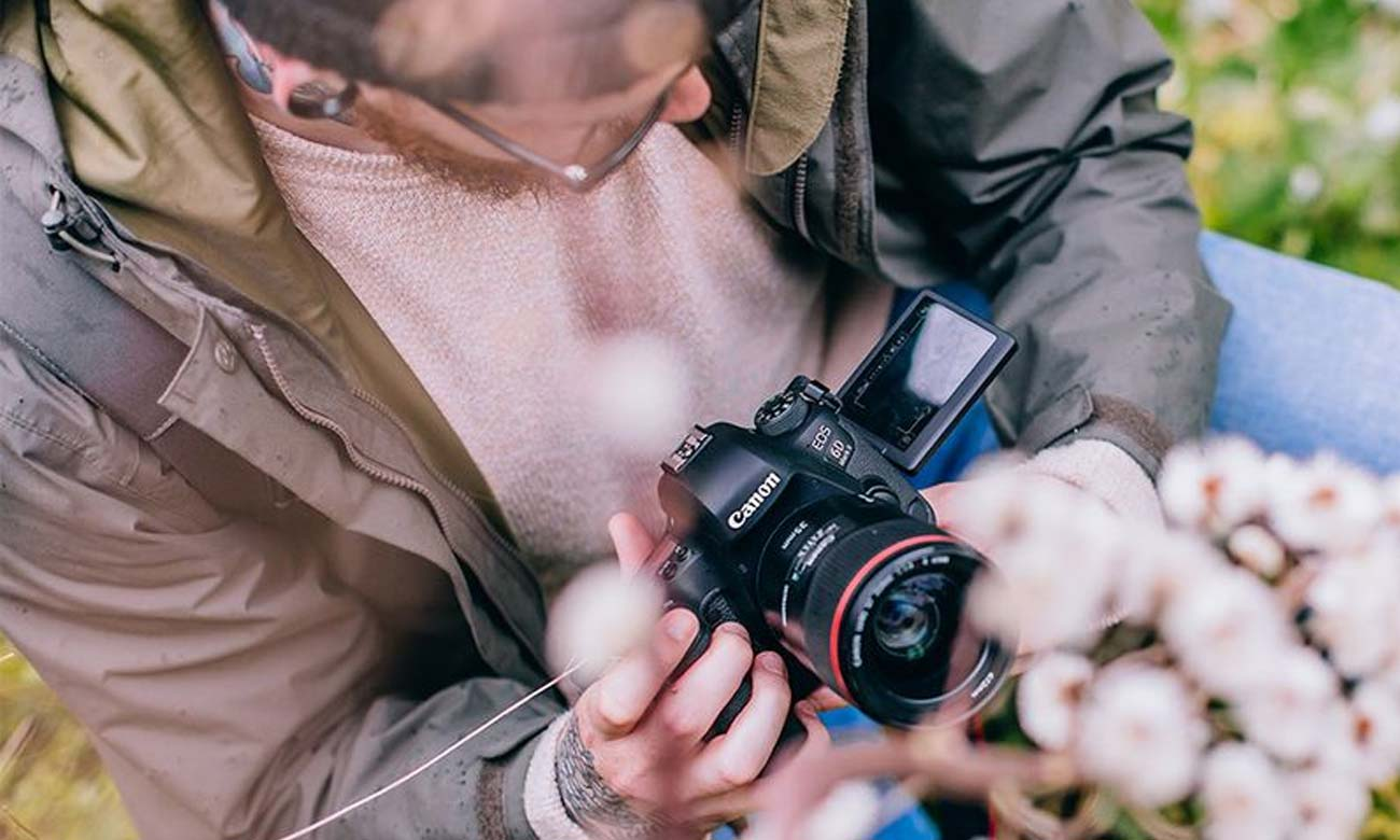 Canon EOS 6D Mark II Odchylany Ekran